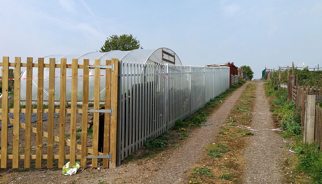 dearne allotment fence